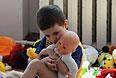 Ребенок из Славянска, размещенный в одном из общежитий города Иловайск Донецкой области.