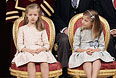 Король Испании Филипп VI, королева Летиция и две их дочери: принцесса Астурийская Леонор и инфанта София.