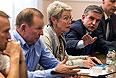 В переговорах приняли участие посол РФ в Украине Михаил Зурабов, представитель действующего главы ОБСЕ Хайди Тальявини, экс-президент Украины Леонид Кучма.