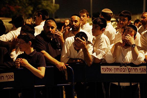 Жители Эйлата скорбят о погибших подростках, один из мальчиков был родом из этого города.