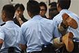 """В Гонконге полиция задержала 511 участников сидячей акции протеста, которая прошла в деловом районе города утром в среду, 2 июля, <a href=""""http://www.scmp.com/news/hong-kong/article/1544897/police-criticised-handling-july-1-march-and-arrested-sit-protesters"""" target=""""_blank"""">сообщает</a> South China Morning Post. По словам полиции, люди были задержаны за участие в несанкционированной акции и препятствование работе правоохранительных органов."""