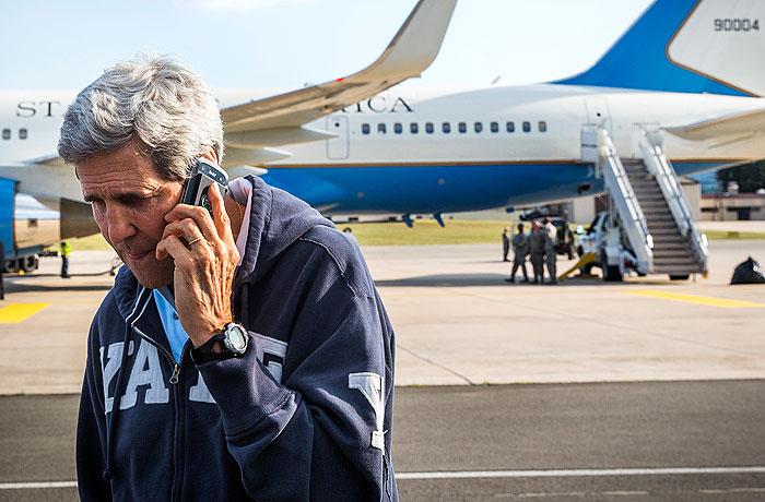 СМИ сообщили о прослушке телефона Керри спецслужбами Израиля