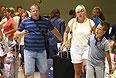 """Прибытие туристов,  которые не смогли вовремя покинуть Грецию из-за прекращения работы турфирмы """"Лабиринт""""."""