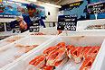 Запрет на импорт больнее всего ударит по премиальным сетям и зарубежным ритейлерам, работающим на российском рынке, - Metro Cash & Carry и Auchan, считают аналитики.