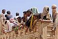 Езиды из Синджара пытаются прорваться к сирийской границе.