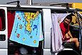 """Пассажиры в очереди на паром Керченской паромной переправы в порту """"Крым""""."""