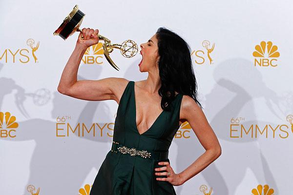 Актриса Сара Сильверман получила награду за сценарий к собственному шоу.
