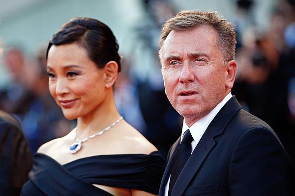 Актер Тим Рот и актриса Джоан Чэнь.