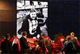 """Андрей Стенин перестал выходить на связь с редакцией 5 августа. 3 Сентября выяснилось, что колонна с беженцами, которую сопровождал журналист """"России сегодня"""", подверглась обстрелу украинских военных."""