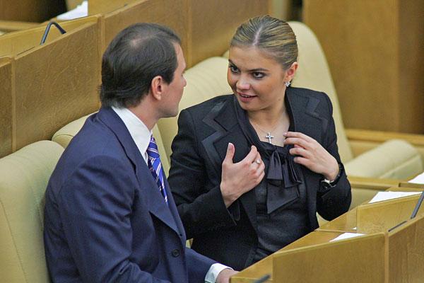 Антон Сихарулидзе и Алина Кабаева на заседании Госдумы.