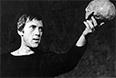 """Спектакль """"Гамлет"""" на сцене Театра на Таганке, 1971 год. В роли Гамлета - Владимир Высоцкий."""