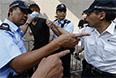 Демонстранты в Гонконге добивались введения более демократичной системы выборов руководства административного района. Ранее оно назначалось направленными из Пекина выборщиками, а не прямым голосованием.