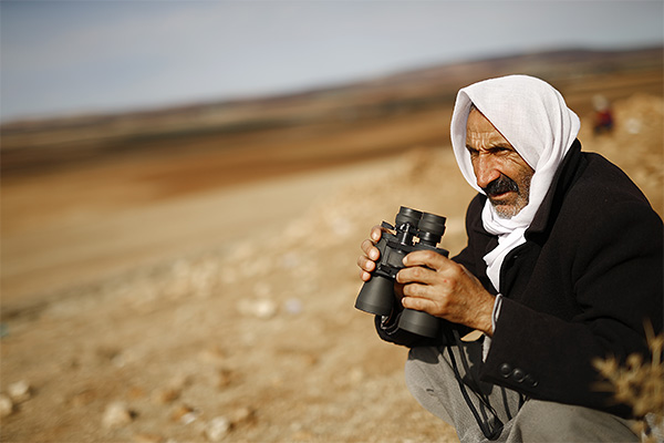 """Турция и США пока не достигли договоренности об использовании расположенных на турецкой территории военных баз для борьбы с боевиками группировки """"Исламское государство"""" (ИГ), сообщает газета """"Хюрриет"""".  """"Турецкие и американские военные продолжают переговоры по вопросу использования турецких военных баз, в том числе военно-воздушную базу """"Инджирлик"""", - пишет издание, ссылаясь на неназванные источники в турецком правительстве."""