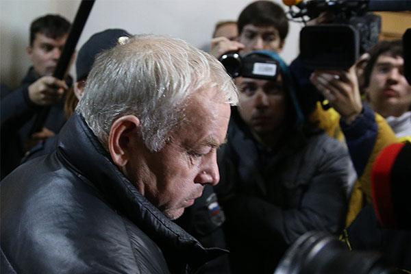 Судья Наталья Дударь по итогам рассмотрения удовлетворила ходатайство следствия, просившего заключить Мартыненко под стражу на два месяца.