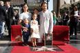 Вместе с женой, бразильской моделью Камилой Алвес, дочерью Видой и сыновьями Леви и Ливингстоном, Мэттью с удовольствием позировал фотографам на фоне звезды.