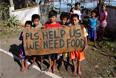 Тысячи человек оказались без крыши над головой, а также без запасов продовольствия и питьевой воды