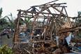 """Специалисты отмечают сходство по мощности """"Хагипута"""" с супертайфуном """"Хайян"""", который обрушился на Филиппины в ноябре прошлого года. Тогда погибли или пропали без вести несколько тысяч человек."""