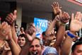 Американская и кубинская стороны более года вели переговоры о восстановлении дипотношений. В преддверии заявления о нормализации отношений власти Кубы освободили гражданина США Алана Гросса, который был арестован пять лет назад, а американские власти отпустили трех кубинцев, приговоренных к срокам в американской тюрьме за шпионаж. На родине их встречали как героев.