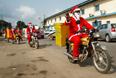 Курьеры африканского интернет-магазина Jumia доставляют товар клиентам в Абиджане, Кот-д'Ивуар