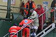 Один из пассажиров Norman Atlantic утверждает, что видел тела четырех погибших. Власти Италии пока не подтверждают такие данные.