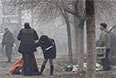 Ответственность за обстрел украинские власти возложили на силы, противостоящие украинским военным. Прокуратура Донецкой области Украины квалифицировала артобстрел жилых кварталов Мариуполя как террористический акт.