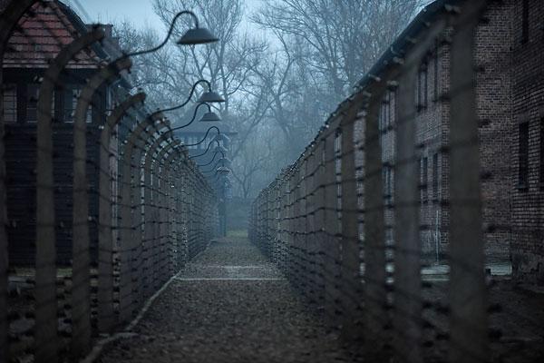 Вид на бывший нацистский концентрационный лагерь и лагерь смерти Освенцим (Аушвиц), ставший одним из главных символов Холокоста