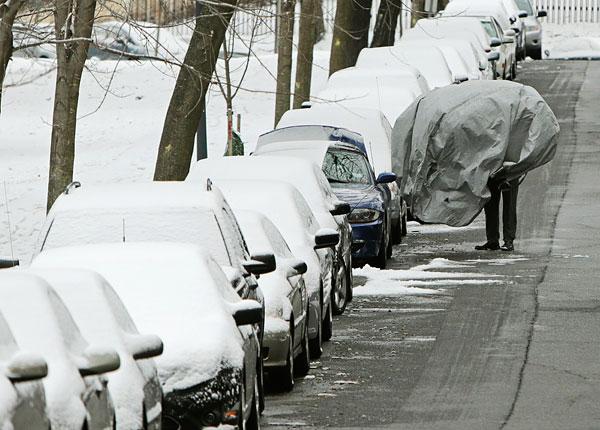 По оценкам Национальной метеорологической службы США, в ближайшее время на северо-восточном побережье страны может выпасть около 90 см снега