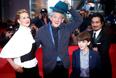 """Американская актриса Лора Линни, британские актеры Йен Маккеллен, Мило Паркер и японский актер Хироюки Санада на премьере фильма """"Мистер Холмс"""""""