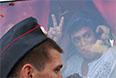 """2010 год. Задержание лидера движения """"Солидарность"""" Бориса Немцова (справа) на несанкционированной акции оппозиции в защиту 31-й статьи Конституции РФ на Триумфальной площади."""