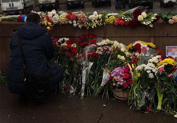 Шествие в память о Борисе Немцове в Москве - фото 10 из 37