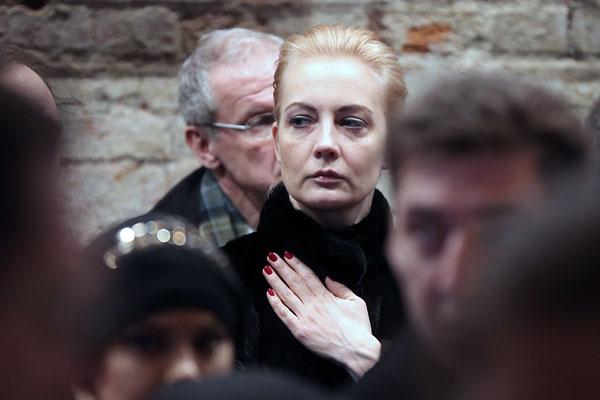 Супруга оппозиционера Алексея Навального Юлия на церемонии прощания с Борисом Немцовым в Сахаровском центре