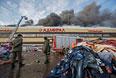 """Пожар в торговом центре """"Адмирал"""" в Казани"""