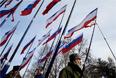 Во время торжественного митинга у здания Госсовета Республики Крым в Симферополе