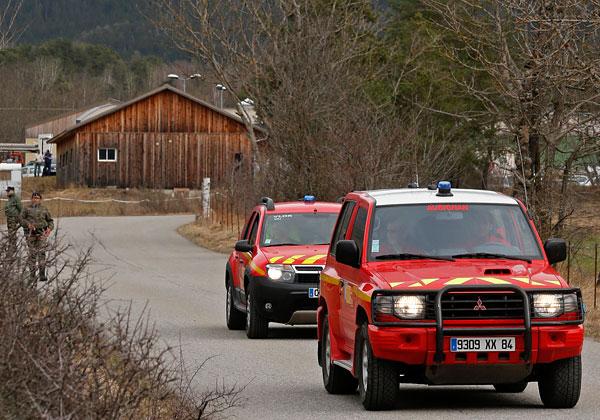 Пожарно-спасательные службы Франции выезжают к месту крушения самолета авиакомпании Germanwings