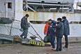 """Моряки, спасенные с затонувшего траулера """"Дальний Восток"""", в порту Корсакова"""