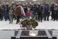 Участники мотопробега у мемориала на месте сожженной в Великую Отечественную войну белорусской деревни Хатынь, 26 апреля