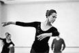 1985 год.  Государственный академический Большой театр Союза ССР. Балерина Майя Плисецкая в танцевальном классе.