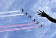 Штурмовики Су-25 в небе над Красной площадью
