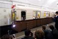 """""""Ретропоезд"""", созданный по образцу вагонов, перевозивших москвичей и гостей столицы 80 лет назад, на """"параде поездов"""""""