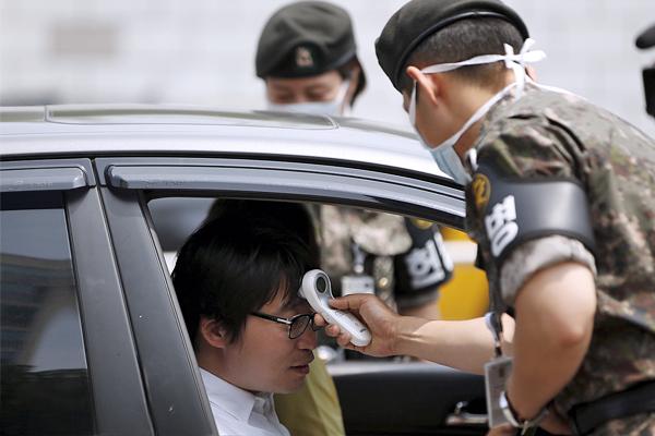 Число выявленных носителей коронавируса MERS в Южной Корее достигло 154 человек.