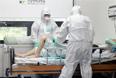 От болезней, вызванных этим вирусом, скончались уже девятнадцать человек, как правило, это пожилые люди с ослабленной иммунной системой.