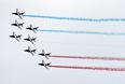 """Пилотажная группа """"Патруль де Франс"""" на церемонии открытия авиасалона в Ле Бурже"""