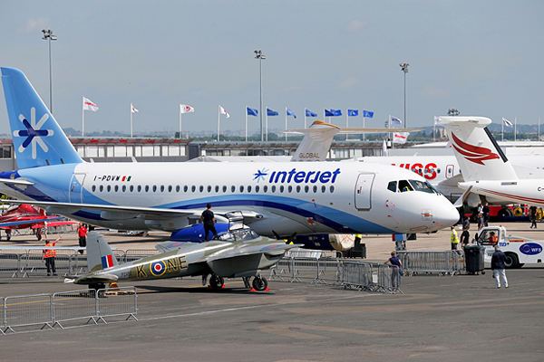 Пассажирский самолет Sukhoi SuperJet 100 авиакомпании Interjet