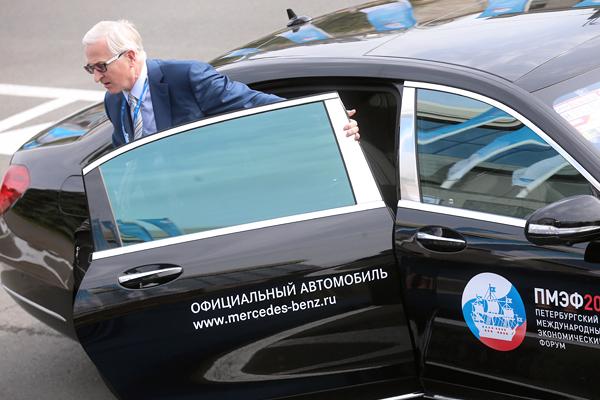 Президент Российского союза промышленников и предпринимателей Александр Шохин во время встречи участников Петербургского экономического форума-2015