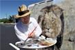 Лев был убит 1 июля у границы Национального парка Хванге. Почти двое суток гиды выманивали животное с территории заповедника на нейтральную, где охота на львов разрешена, после чего он был убит из лука. GPS-ошейник охотники пытались уничтожить после убийства.