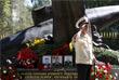 """Ветеран отдает дань памяти экипажу атомного подводного крейсера """"Курск"""" в Москве"""