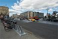 Кататься по Москве на велосипеде можно, даже если у вас нет велосипеда. Пункты проката мускульного транспорта попадаются очень часто.