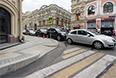 Тротуары сделаны так, чтобы на них было удобно не только заходить, но и заезжать. К сожалению, не везде. Возможно, это только пока.