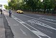 На самом деле, такси и велосипед действительно упрощают жизнь в городе. И городу.