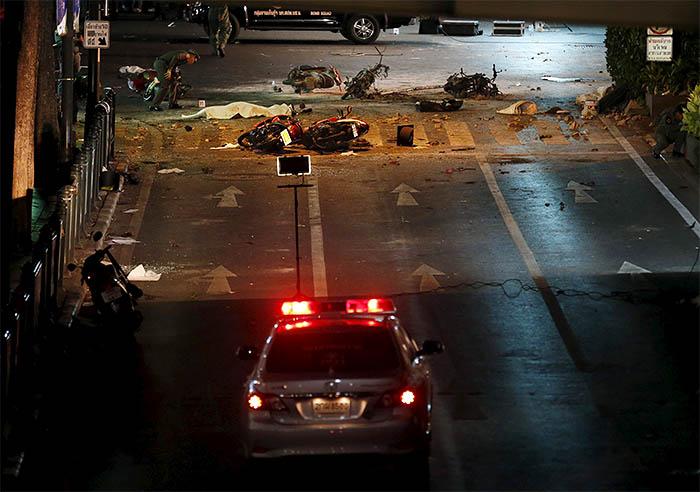Как сообщают СМИ со ссылкой на местную полицию, в центре города была взорвана бомба